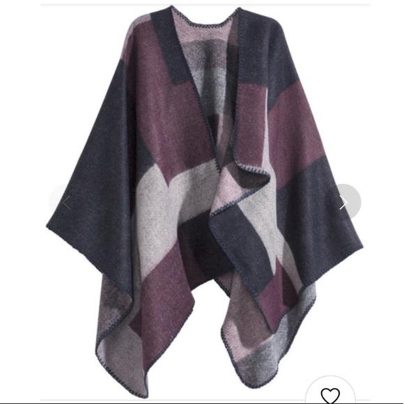 H&M Asymmetric Poncho - Purple/Checkered